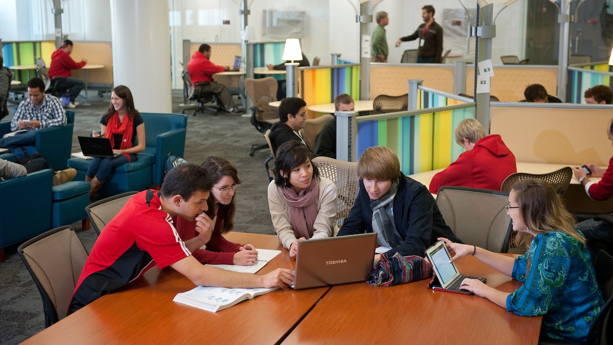 Students use the Hunt Library